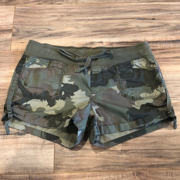 Old Navy Pants - Adjustable length shorts
